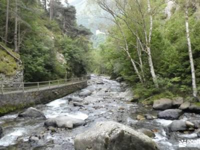 Andorra-País de los Pirineos; parque natural hoces del rio duraton belen viviente de buitrago mochil